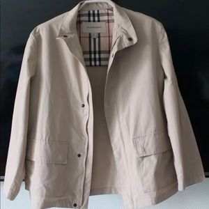 Burberry 12T boy. Fits like xs for women